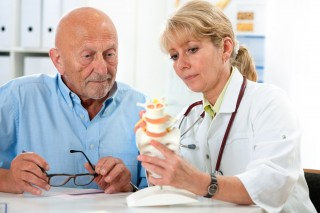 http://medicare.bold-themes.com/clinic/wp-content/uploads/sites/2/2015/12/shutterstock_114189160-320x213.jpg