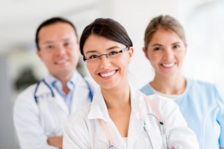 http://medicare.bold-themes.com/clinic/wp-content/uploads/sites/2/2015/12/shutterstock_139204727-320x214.jpg